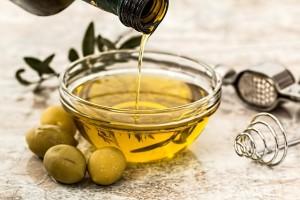 olive-oil-968657_640 オリーブオイル 油